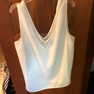 White sleeveless V mesh neckline tank top large